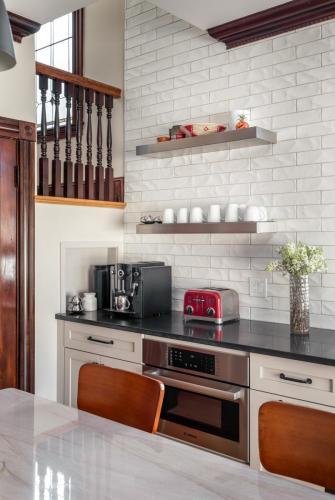 Kitchen Countertops 2 West Roxbury MA Contemporary Design Build