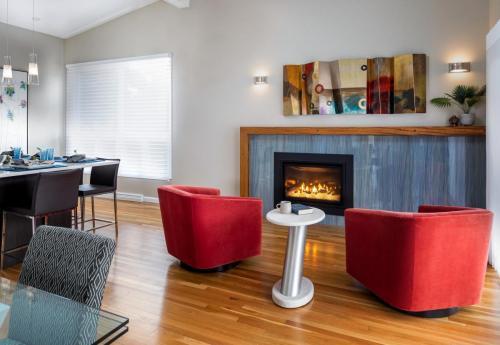 Living Room Contemporary Design Newton MA