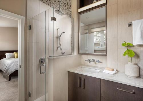 Master Bathroom Contemporary Design Newton MA