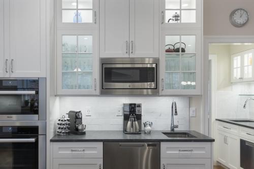Kitchen Appliances 2 Contemporary Design Acton MA